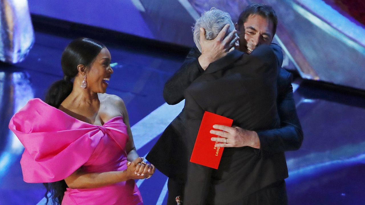 Todas las fotos de lagala de los Óscar 2019.Angela Bassett, Javier Bardem y Alfonso Cuarón