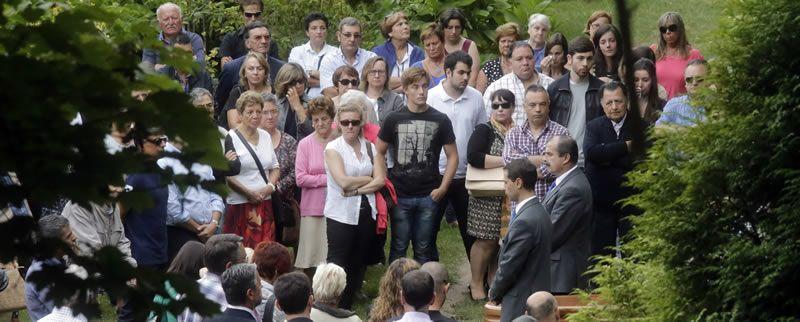El entierro de Rosalía Mera, en imágenes
