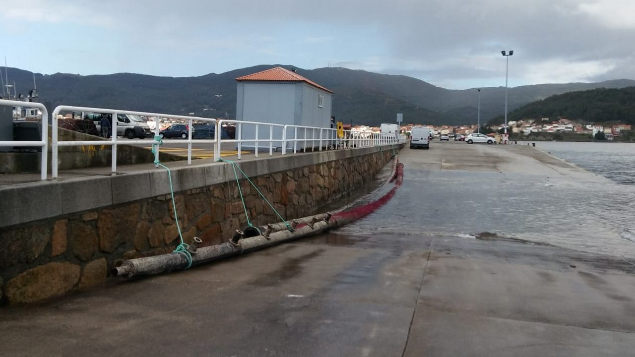 Partido de fútbol entre Boiro y Rácing de Ferrol.Las fuerzas del orden registraron varios puntos de venta de la lonja de la villa muradana