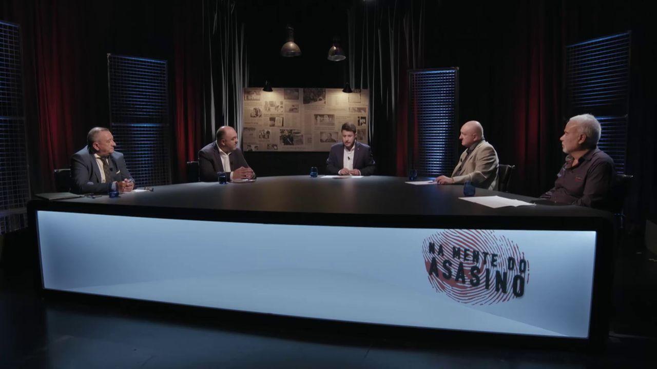 Andrea Bosca, Álex González, Anna Schimrig y Verónica Echegui, en una escena de «3 caminos».