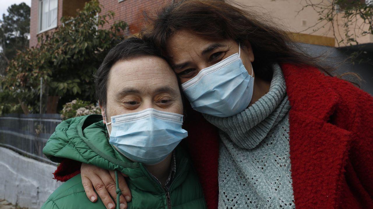 Así fue la visita de Elisabeth a su hermano Luistras salir de la uci.Javier perdió a su padre por causa del coronavirus