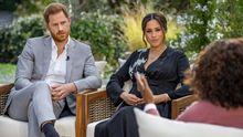 Los duques de Sussex, Harry y Meghan, durante su entrevista con Oprah Winfrey