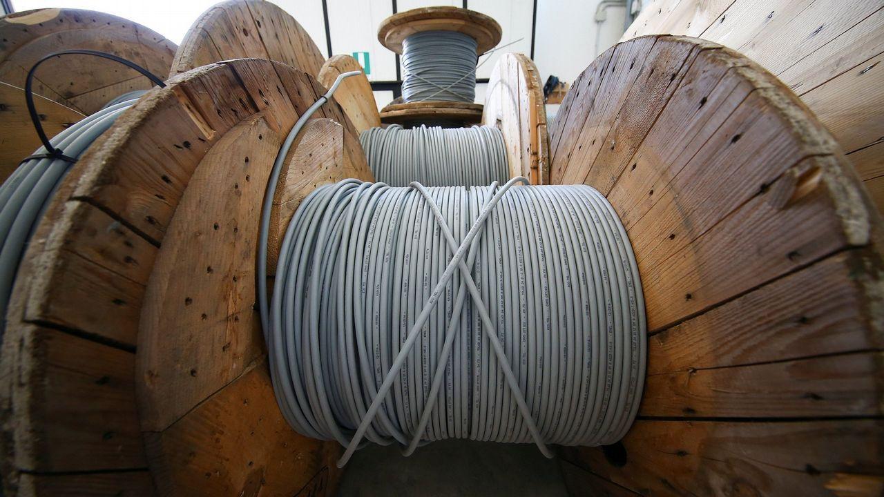 Banderas de los concejos asturianos.Cables de fibra óptica