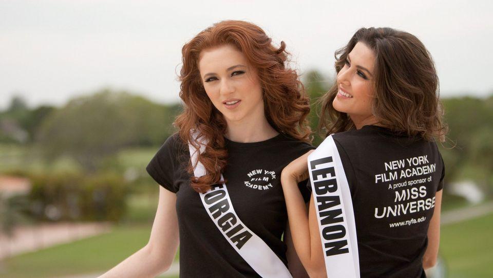 Las imágenes del ataque israelí.Miss Líbano, a la derecha