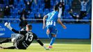 Miku corre a festejar uno de los dos goles que le anotó al Langreo