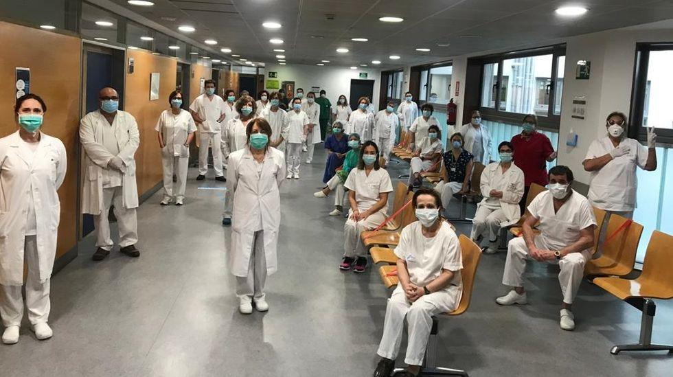 Gobierno y autonomías acuerdan que los alumnos pasen de curso, salvo casos excepcionales.Sanitarios de atención primaria en la Casa do Mar de A Coruña