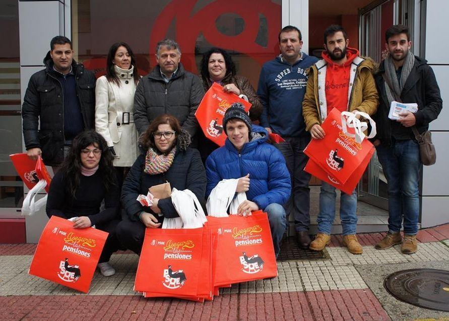 Juventudes Socialistas estuvo ayer en Silleda.