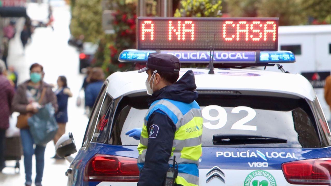 Aplausos a la policía en A Coruña