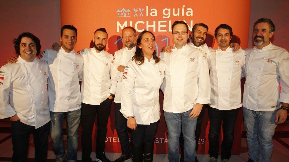Santiago acoge la gala de la Guía Michelin.Todos los cocineros gallegos participantes en la Gala Michelin.