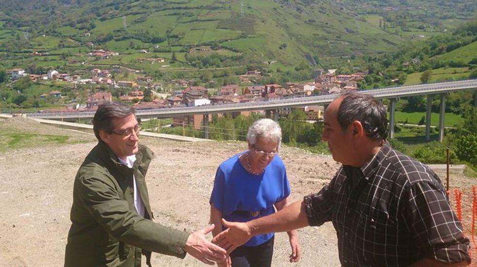 Mercedes Fernández interviene en el Comité Ejecutivo Regional del PP de Asturias.Prendes, en las obras de la Variante de Pajares