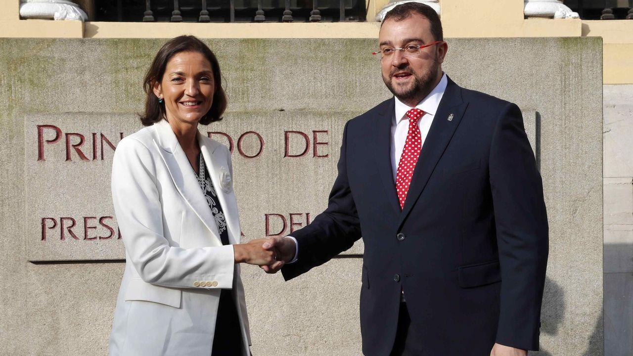 6 DE AGOSTO - OVIEDO: La Ministra de Industria junto al presidente de Asturias. Visitó la comunidad para anunciar el acuerdo para Alcoa