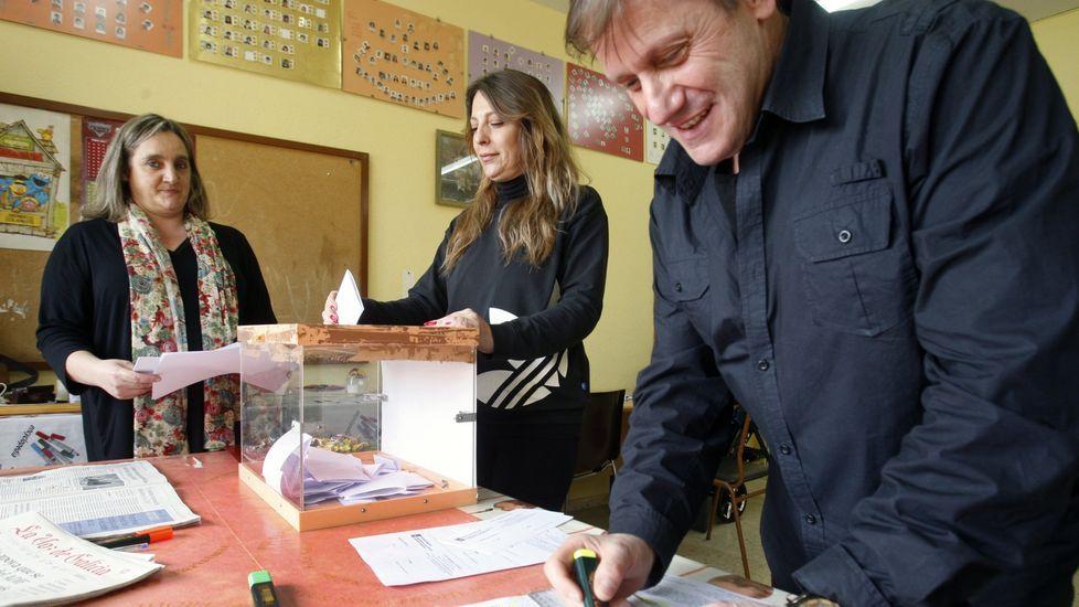 Una de las votaciones celebradas en A Gándara en las que se rechazó la jornada única