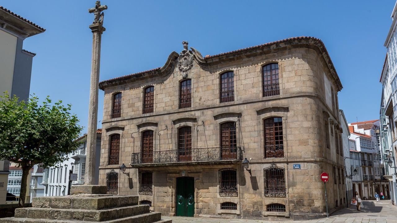 El profesor Busto fue miembro de la comisión de expertos que estudió la recuperación del pazo de Meirás para el patrimonio público