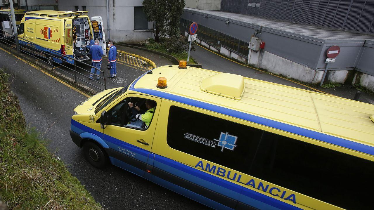 Unidad de reanimación de críticos covid en el complejo hospitalario dePontevedra.Entrada de urgencias del hospital Montecelo, en Pontevedra