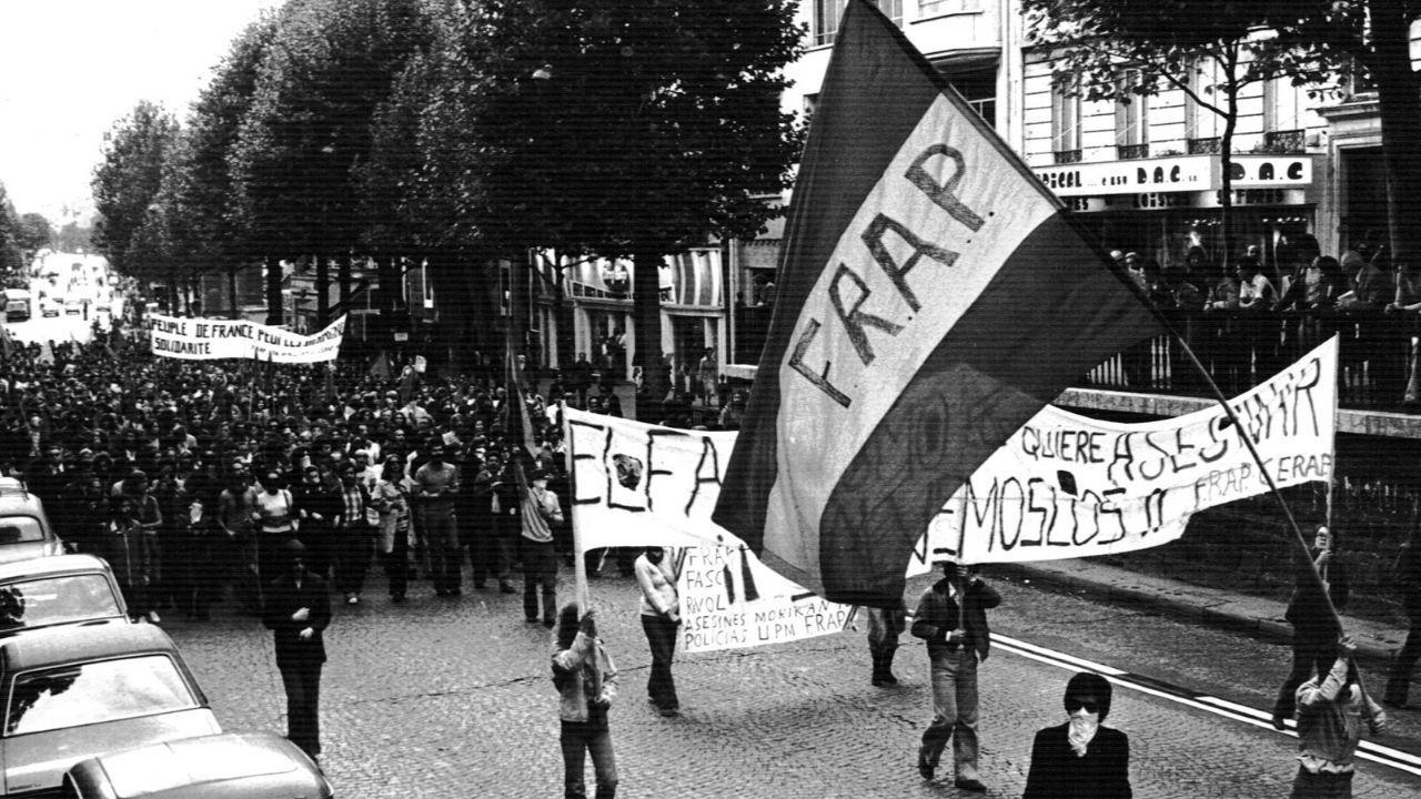 Manifestación del FRAP en el exilio francés