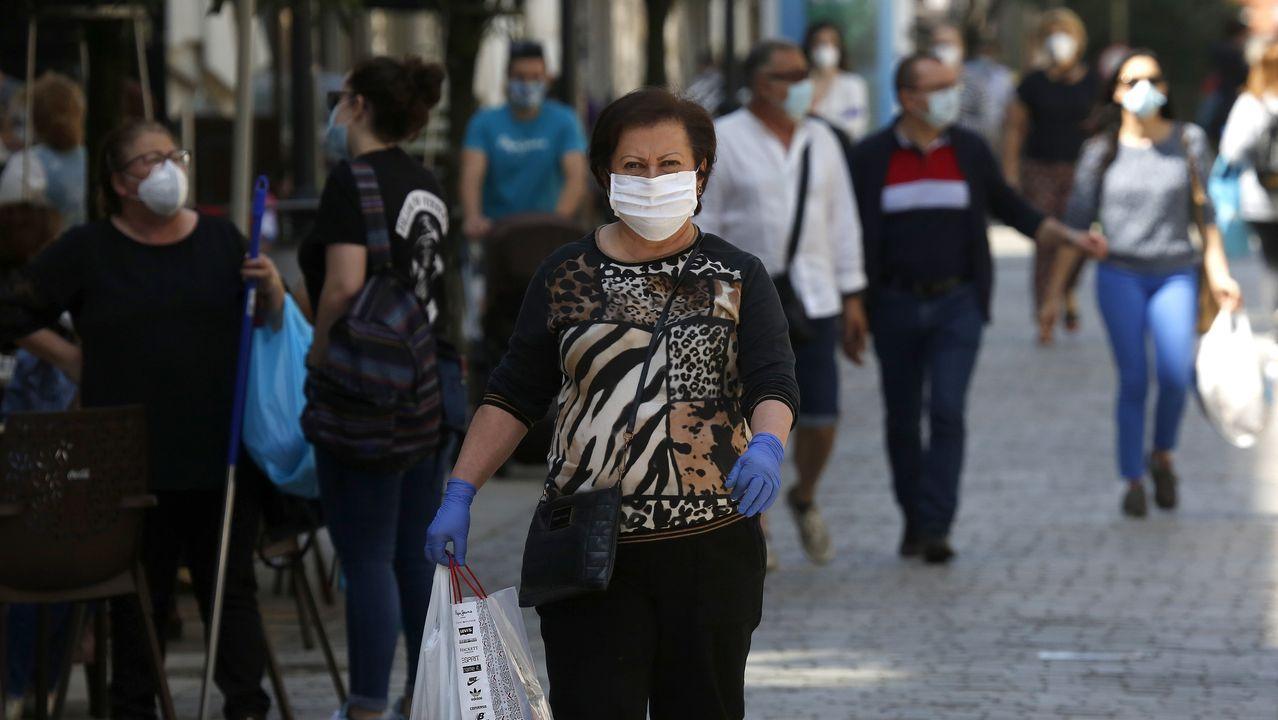 Primer día de uso obligatorio de mascarillas en Barbanza