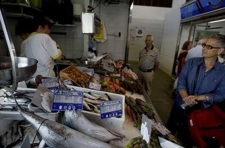 En algunas pescaderías de Viveiro y Barbanza, el precio de la sardina superó al del bonito.