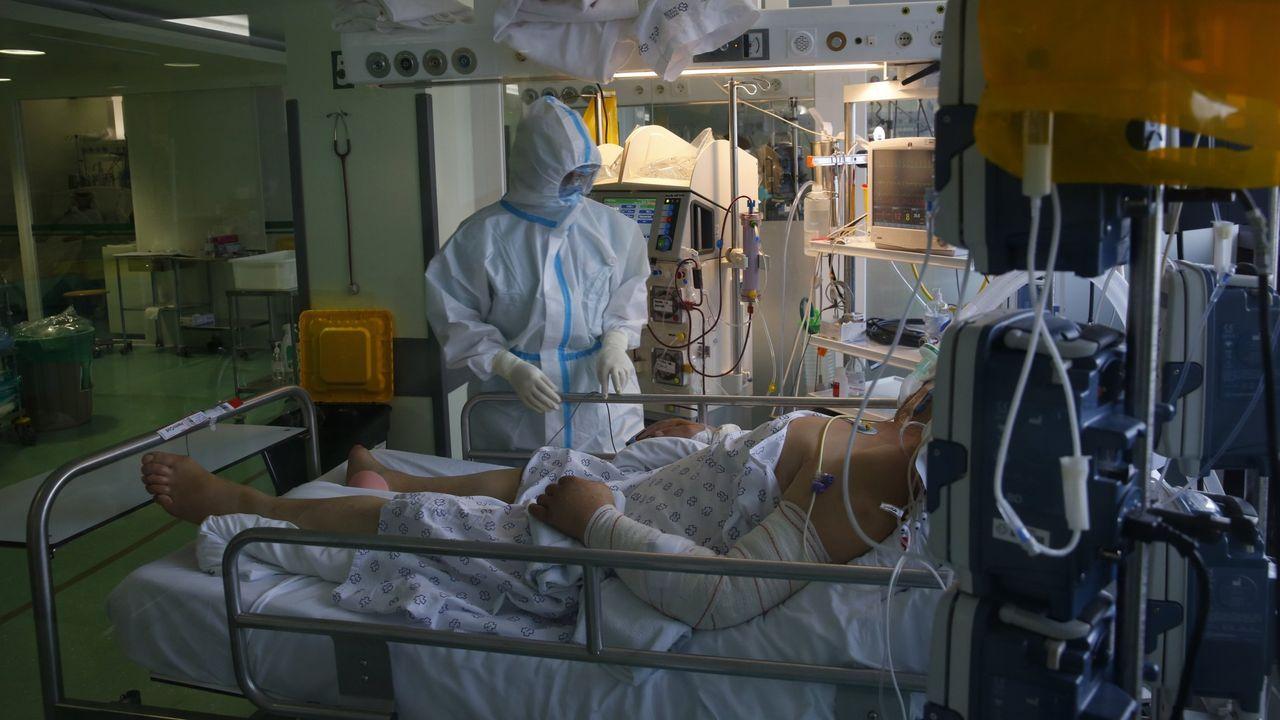 Unidad de reanimación del hospital Montecelo, en Pontevedra, transformada en una unidad covid