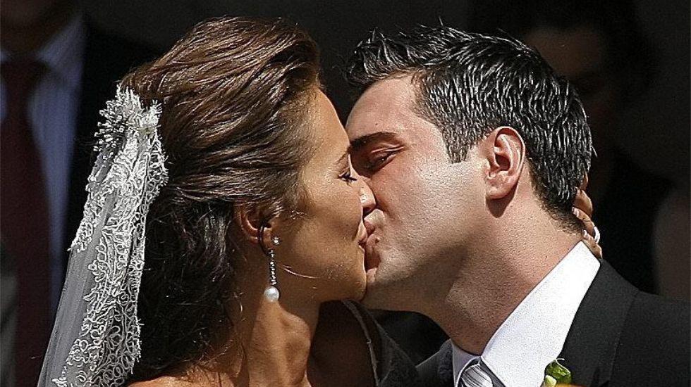 La pareja se casaba en 22 de julio del 2006 en la basílica de Covandonga, en Asturias, convirtiéndose en protagonistas de una de las bodas del año.