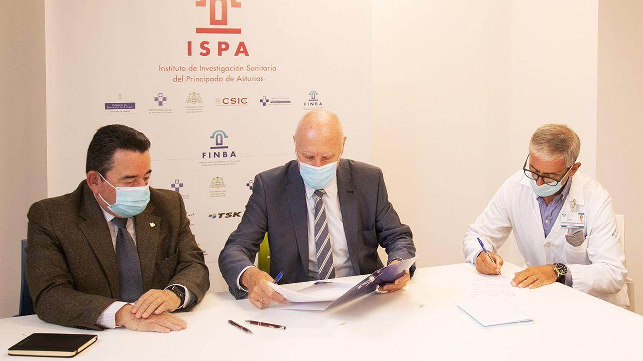Fernando Martínez, Faustino Blanco y Elías Delgado firman el acuerdo de colaboración