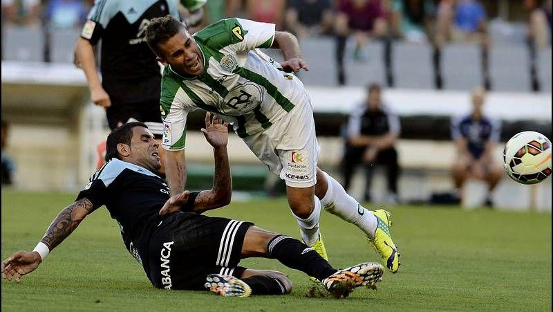 El buen humor reina entre los dos delanteros del Celta, Charles Días y Joaquín Larrivey.