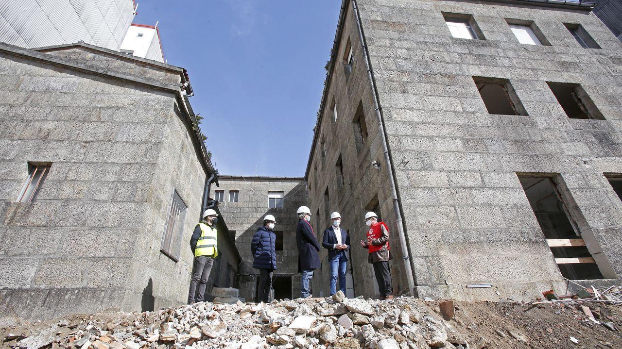 Vista a las obras del nuevo centro asistencial de Cáritas en Pontevedra