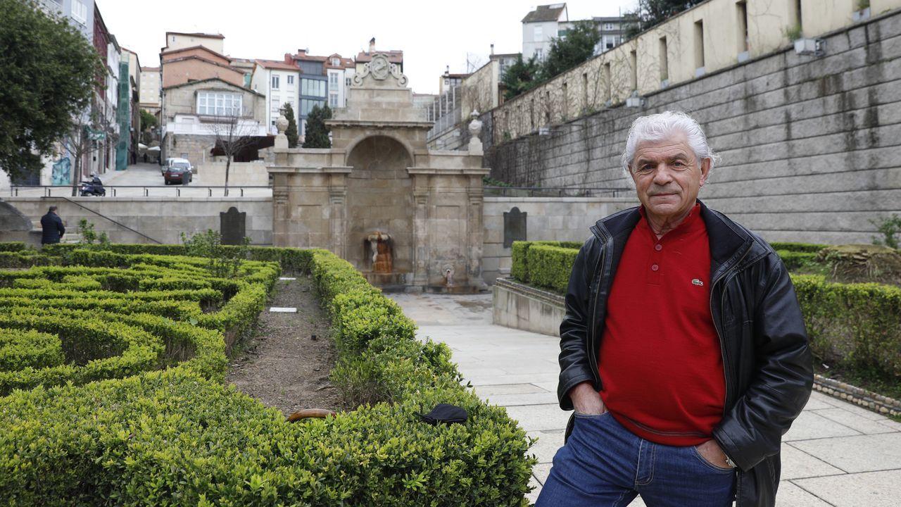 Antonio Bermejo, en el jardín de la fuente de As Burgas