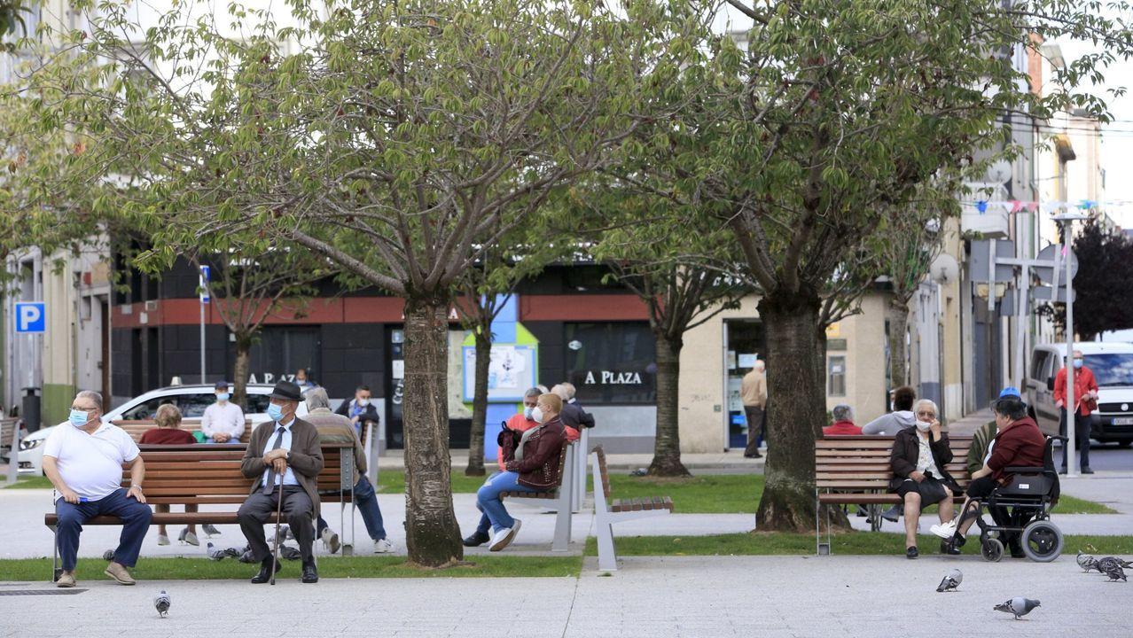Buenos y malos ejemplos de intervenciones en plazas y calles de Lugo.Recreación de la fuura Intermodal de Lugo, una de las novedades del proyectos de presupuestos del 2021