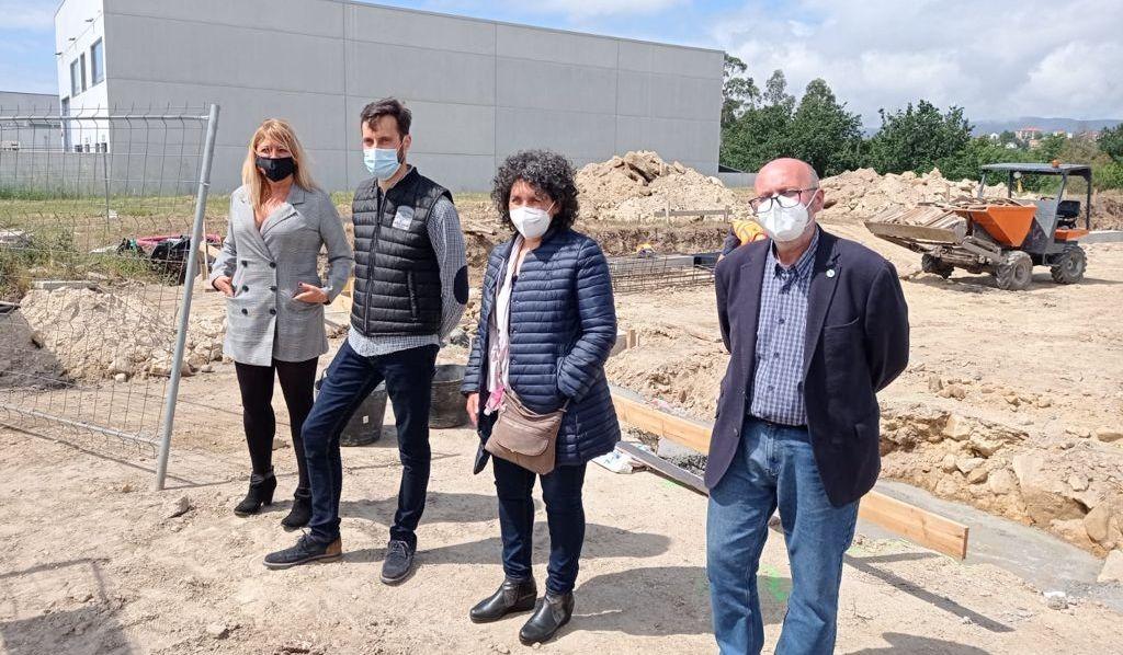 Beatriz Sestayo, Pablo Fernández, Mari Carmen Filgueira y Adolfo Muíños comprobaron el avance de las obras de la nueva nave del polígono