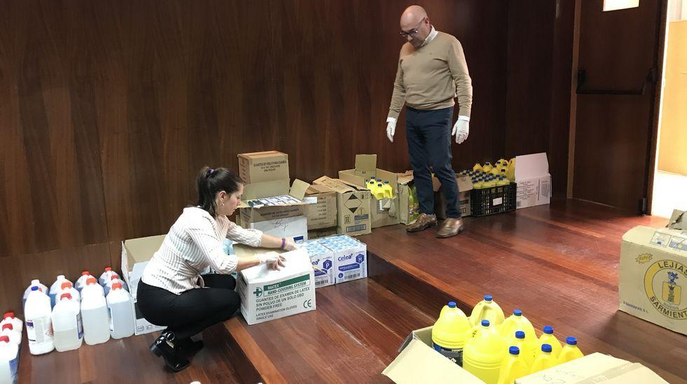 Recogida de material donado por los colegios para los servicios sanitarios y municipales