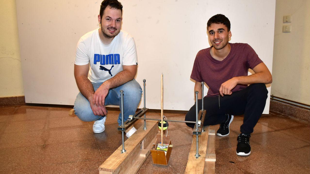 Jorge García del Río y Daniel Costa Casás fueron los mejores del concurso al lograr una distancia de 440 centímetros en el lanzamiento con catapulta