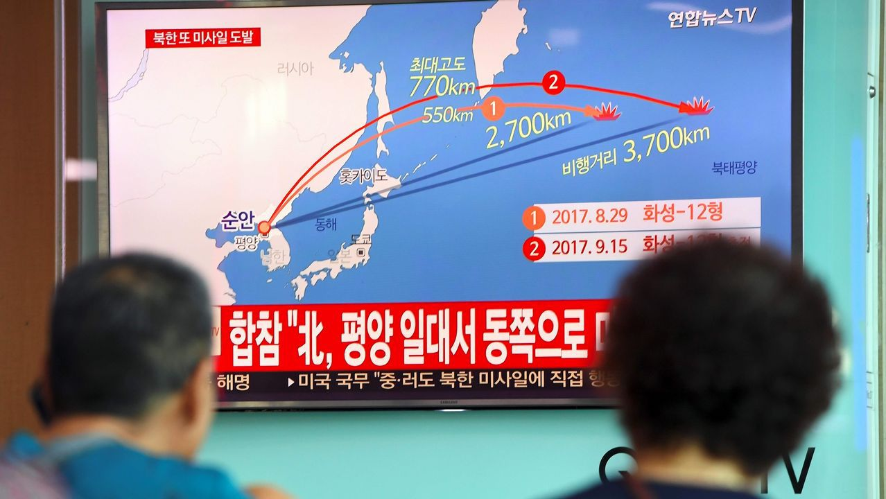 Kim Jong-Un promete «domesticar con fuego» a Donald Trump.Cazas estadounidenses sobrevuelan Corea del Norte
