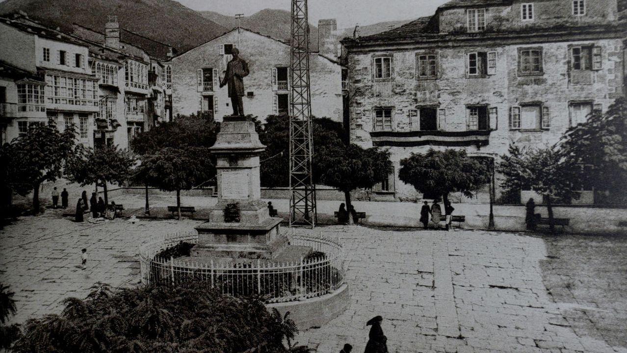 Bernardo Miranda era en realidad José María Riguera Montero, nacido en Ourol en 1845 y fallecido en 1922 en Viveiro, cuya Praza Maior era así a principios del siglo pasado