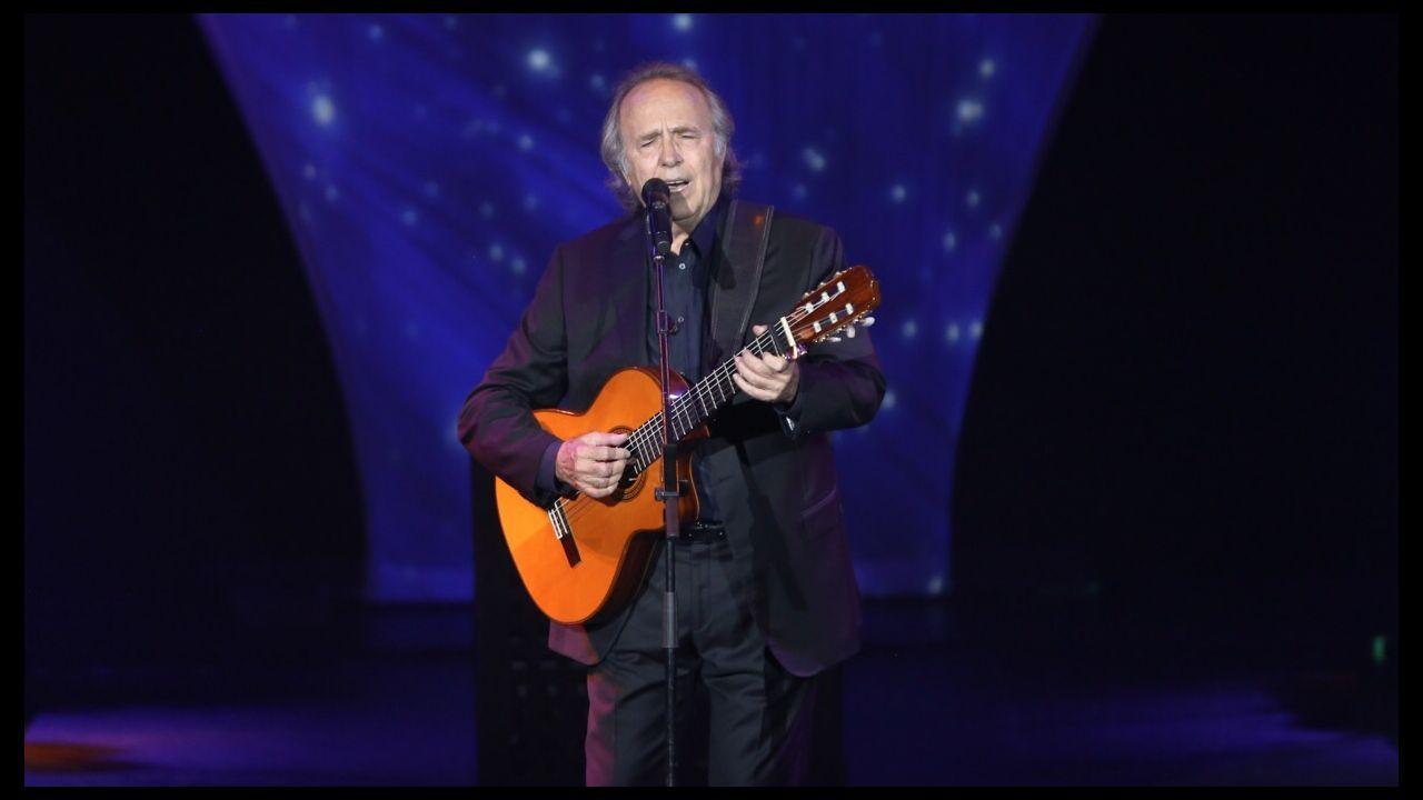 Así arranca el Sinsal, el festival «secreto».Joan Manuel Serrat, en su concierto de anoche en A Coruña