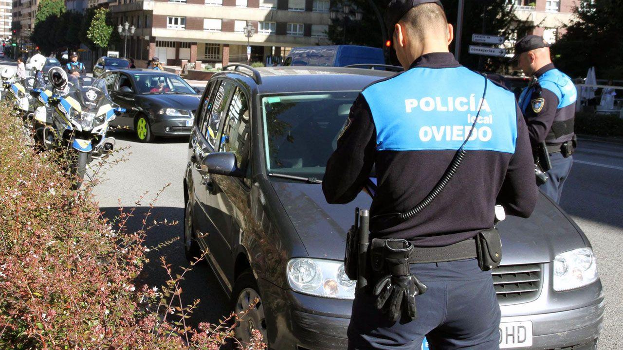 El lago Ercina, en Picos de Europa.Agentes de la Policía Local de Oviedo
