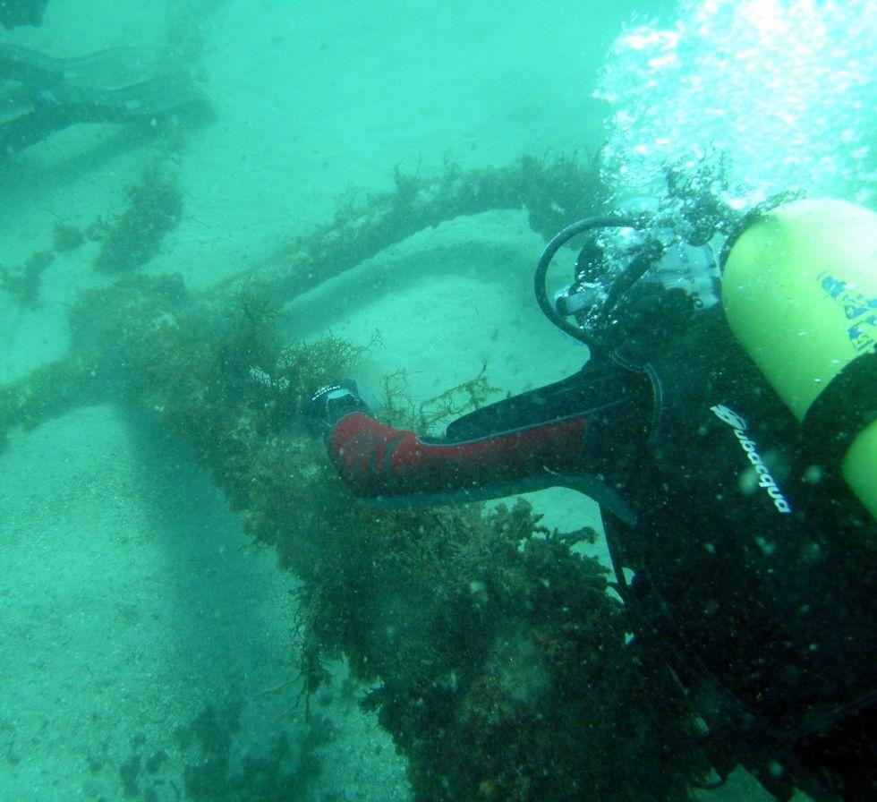 Restos de galeón hundido en Ribadeo, descubierto en 2011