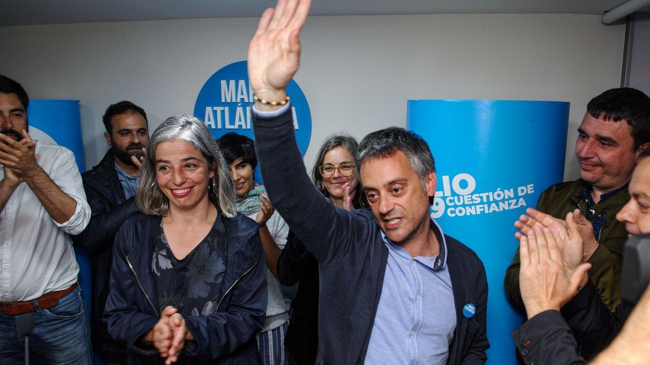 Xulio Ferreiro, candidato de Marea Atlántica en A Coruña, comparece con sus concejales
