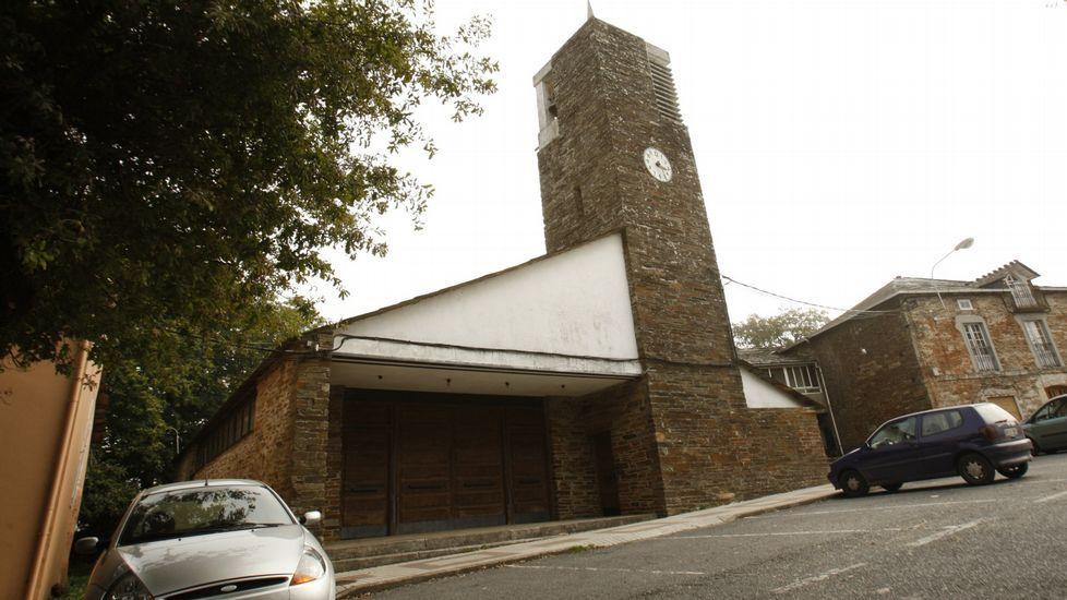 Una visita en imágenes al Carreiro do Castro de Seceda.La iglesia de Santa Cruz do Incio fue construida entre 1961 y 1963