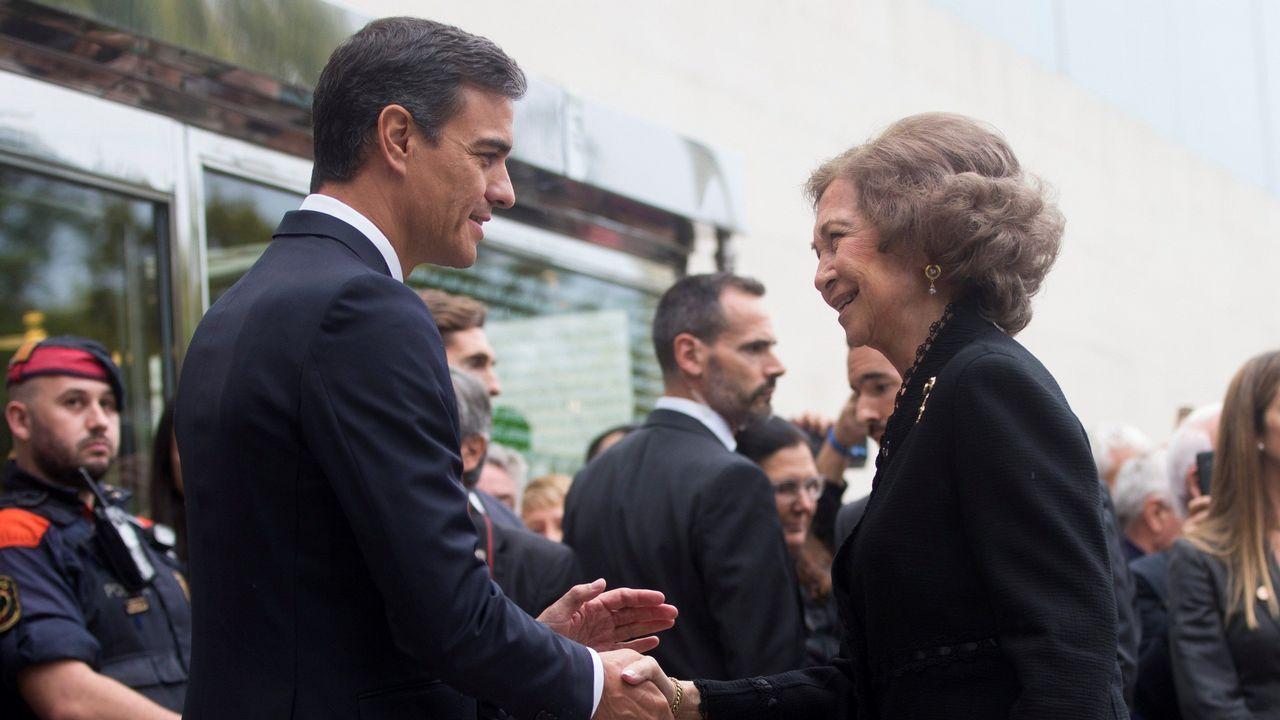 Funeral de Montserrat Caballé. Pedro Sánchez saludo a las reina Sofia