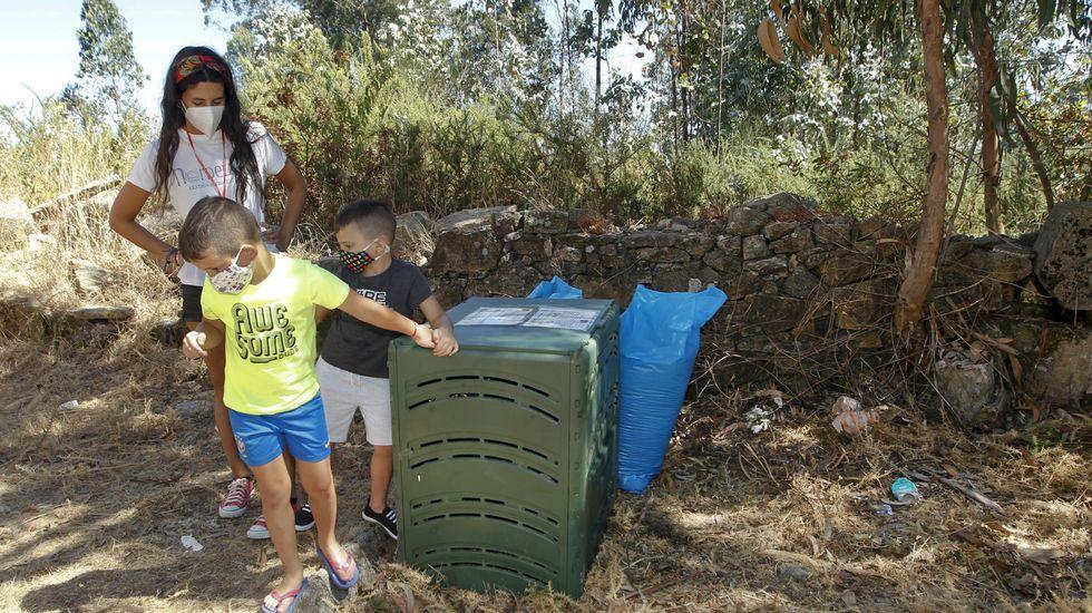 Zona de triaje de la planta de Lousame, donde se separan los residuos