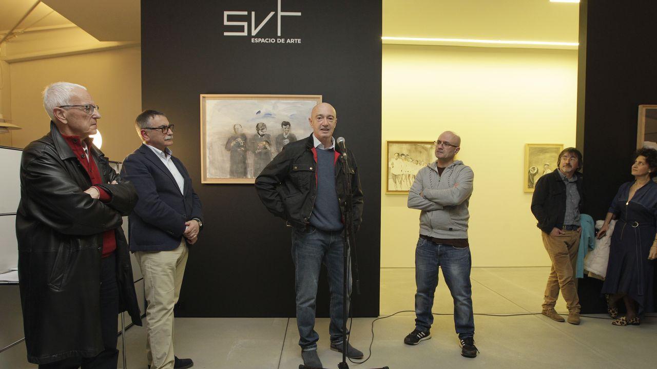 La nueva galería viguesa SVT fue inaugurada con su primera exposición, «Imago mundi», que muestra la obra de Xosé Vilamoure