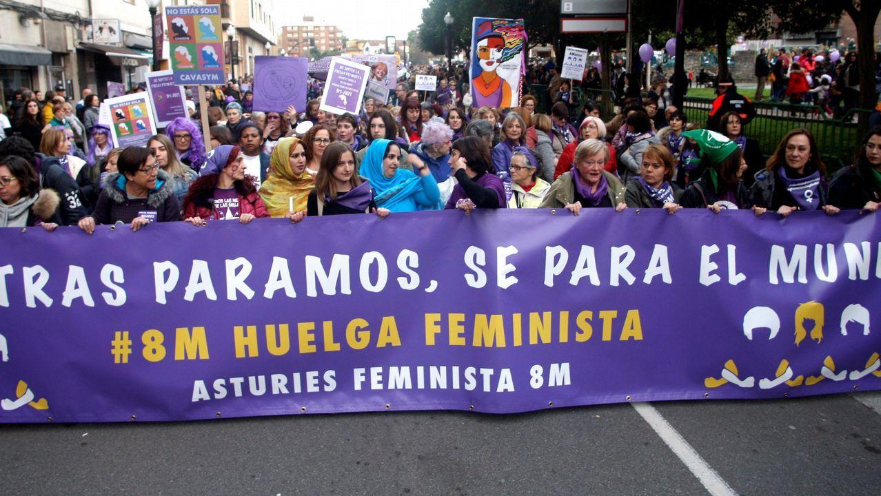 Miles de personas participan en la concentración feminista convocada en Gijón con motivo del Día Internacional de la Mujer