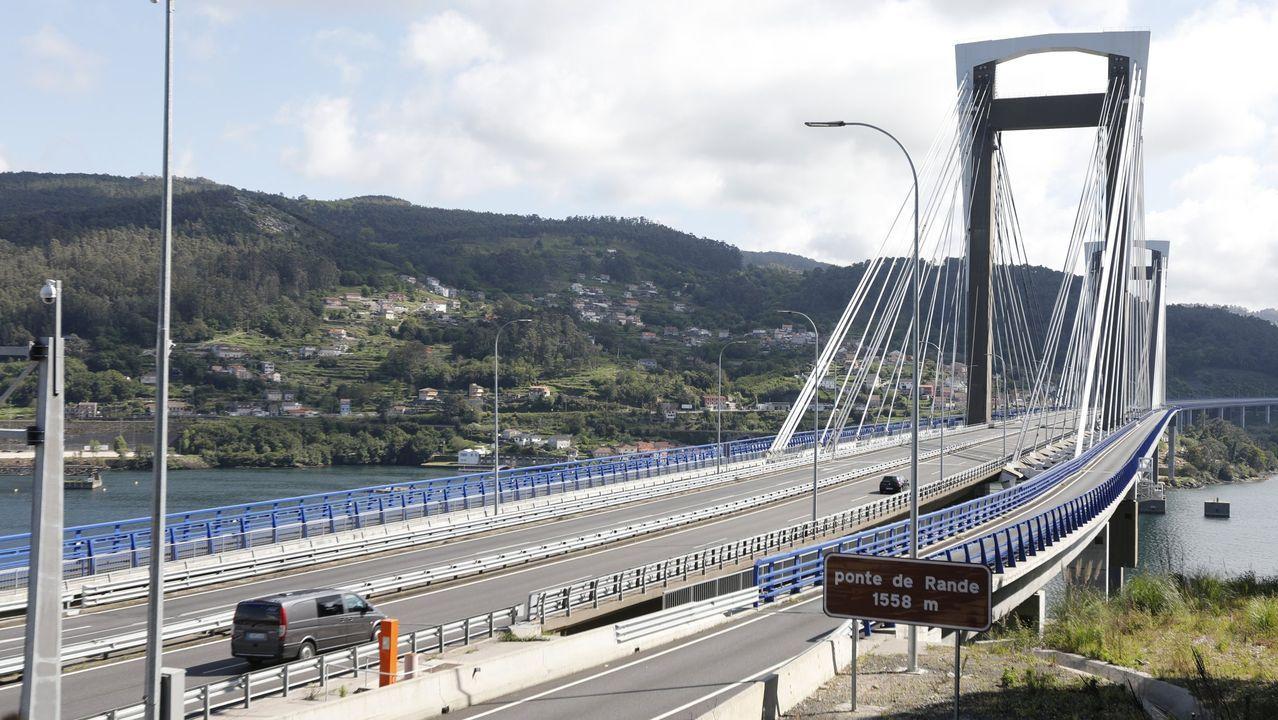 Las kilométricas retenciones de la AP-9 se produjeron en la salida de Vigo hacia Rande.