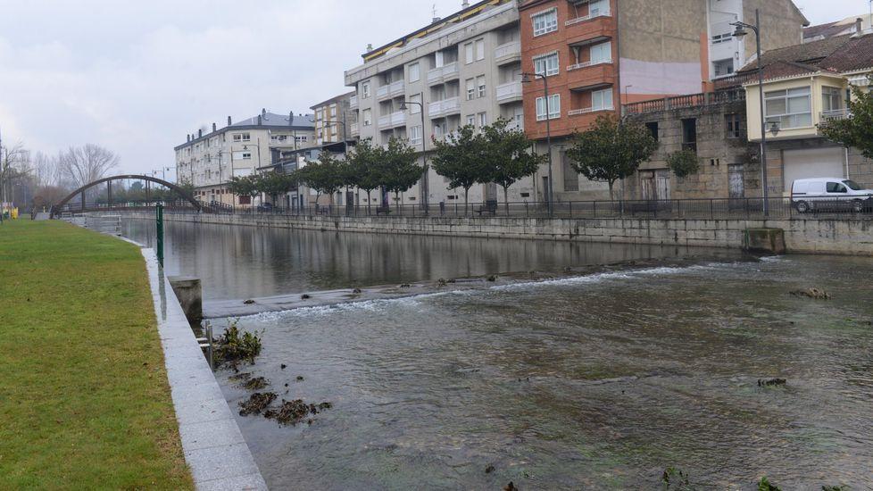 El futuro puente salvará el río Tamega a su paso por Queizás