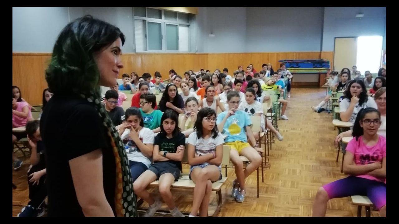 El subdelegado del Gobierno se presentó en Ourense arropado por el PSdeG.Ratón está entrenando en Zaragoza. En la imagen, de esta mañana, a la derecha