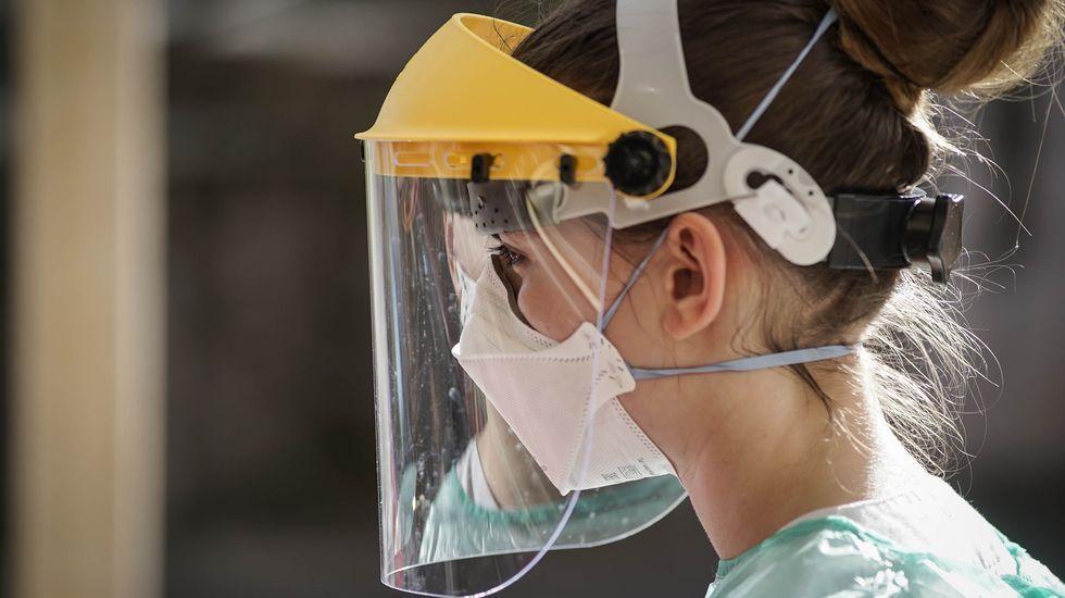 Las pantallas son un sistema eficaz para proteger a los sanitarios del contagio de Covid-19