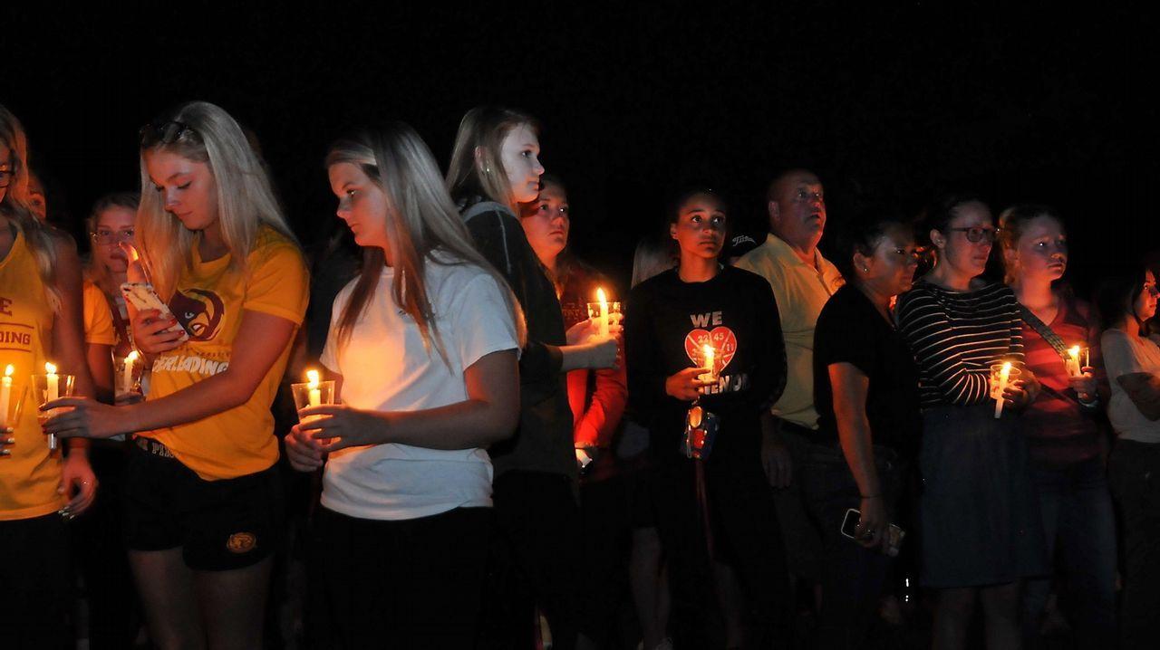 Torre de Hércules de oro, en imágenes.Vigilia organizada en la localidad estadounidense de Ames en recuerdo de Celia Barquín, la golfista asesinada en Iowa
