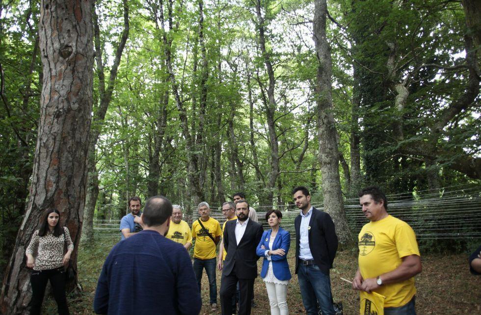 El gobierno local visitó en julio con la eurodiputada Izaskun Bilbao la fraga de Casas Vellas.
