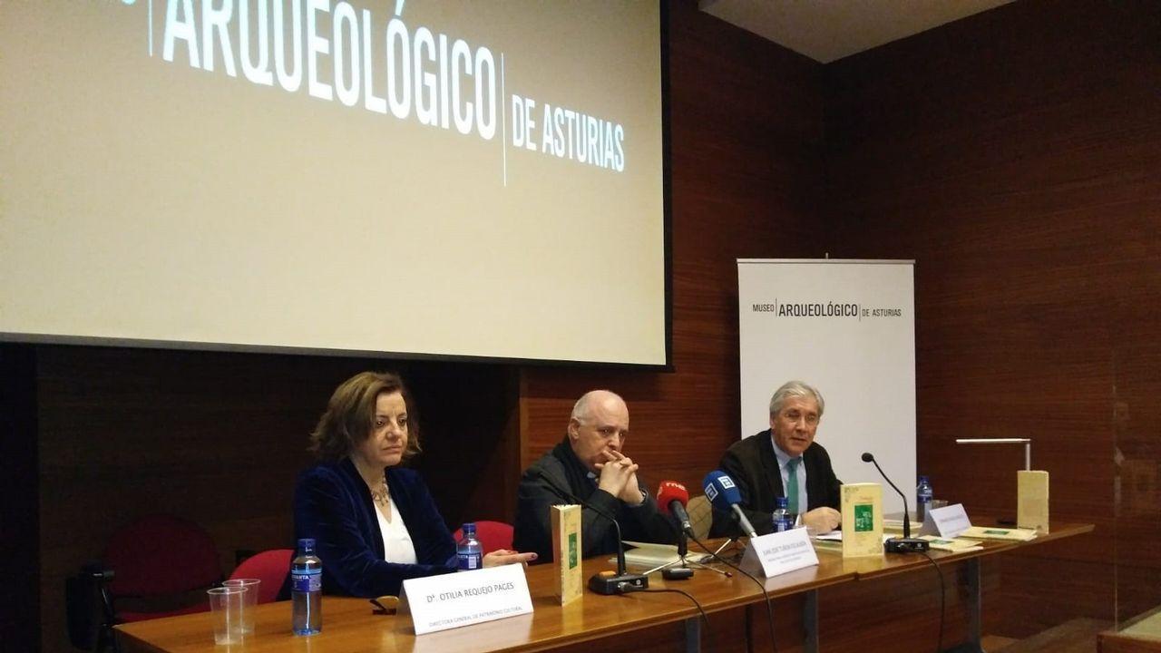 El comisario para la reestructuración del Museo de Covadonga y ex abad del Real Sitio, Juan José Tuñón, ha puesto en valor la utilidad de la lengua asturiana para expresar sentimientos religiosos y ha destacado como a lo largo de la historia este idioma ha sido utilizado para tal fin