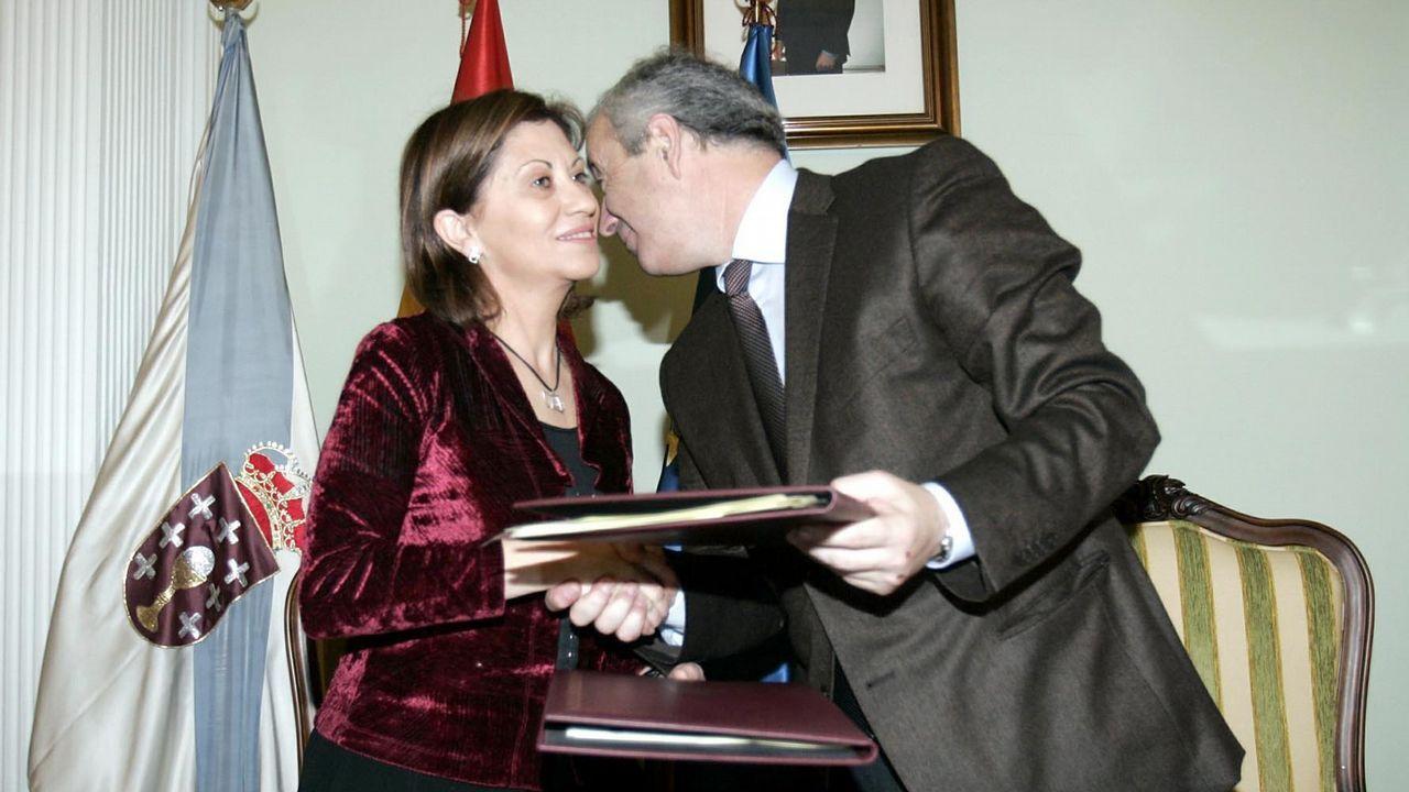 Política. La socialista Elena Espinosa era ministra de Medio Ambiente, cartera que en la Xunta regía Pachi Vázquez